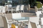 Евтини маси и столове от светъл ратан
