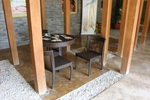 Луксозни маси и столове от светъл ратан
