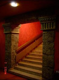Декоратични колони за стълбищни пространства