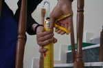 монтаж по поръчка на дървен парапет за стълби