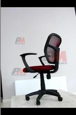 уникална визия на офис столове за голям офис